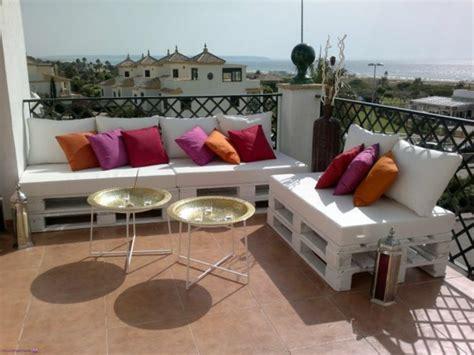 europaletten balkon sofa aus paletten eine perfekte vollendung des interieurs