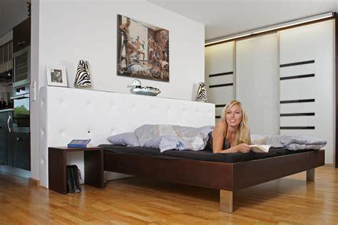 schlafzimmer mit loft loft k 252 chen und m 246 bel f 252 r lohas die m 246 belmacher