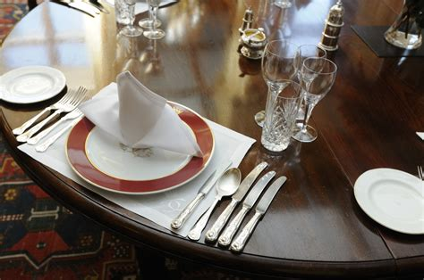 set table setting the table lady carnarvon