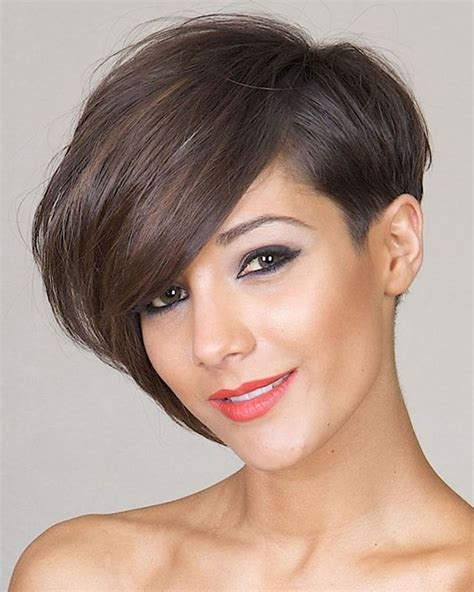 Asymmetrical Short Hair 2018   33 Haute Short Hairstyles