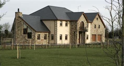 supreme court orders demolition of family home