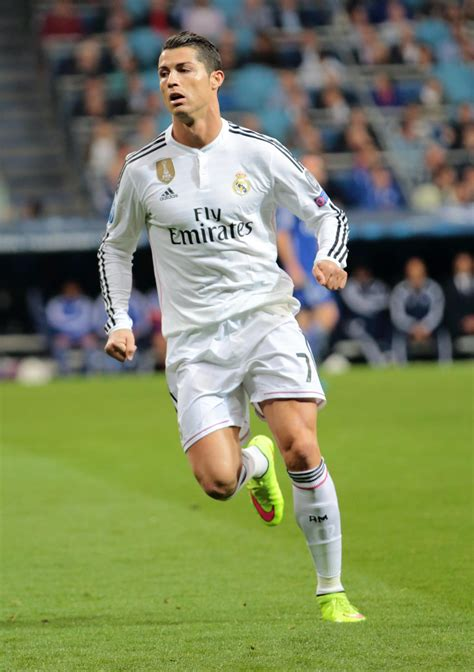 cristiano ronaldo cr7 real madrid portugal fotos y cristiano ronaldo wallpaper fotolip com rich image and