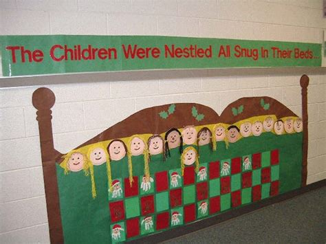christmas board decoration 1st grade hallway decoration idea myclassroomideas