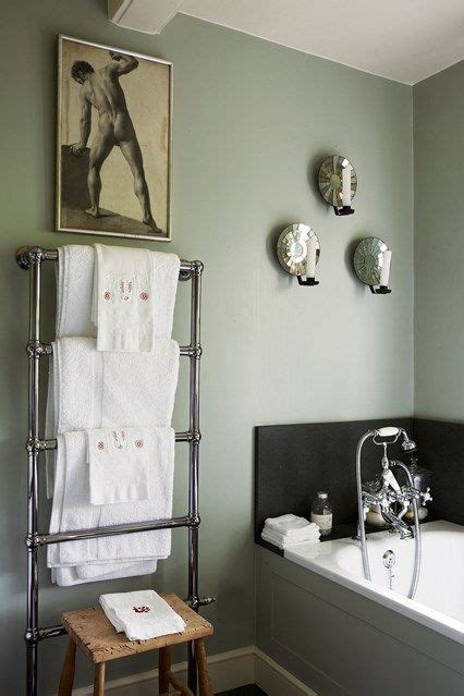 Grey Bathrooms Ideas by 1000 Ideas About Small Grey Bathrooms On Grey