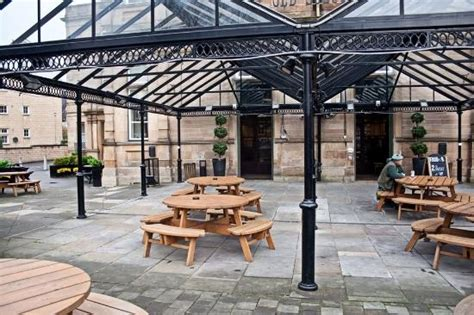 school house brew house beer garden picture of the old school house glasgow tripadvisor