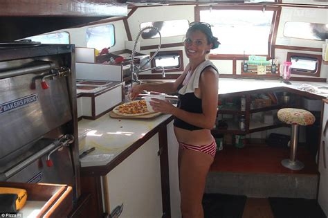 small boat jobs uk us couple quit their jobs to run yacht pizza pi boat in