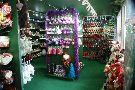 w sklepie picture of the nutcracker christmas shop