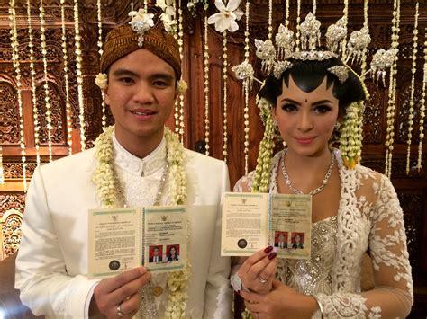 Sari Madu Asmara Untuk Suami Dan Juga Istri resmi nikah alisia rininta suami akan bulan madu di