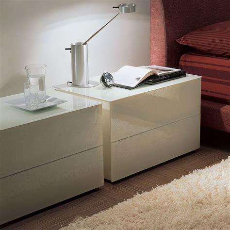 table de nuit en verre enea 01 table de nuit bontempi casa en bois et en verre