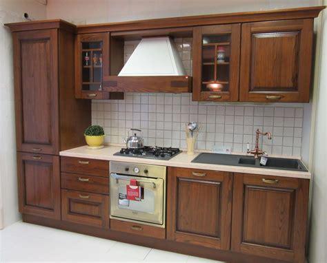 cucine in legno prezzi cucina lube cucine legno cucine a prezzi scontati