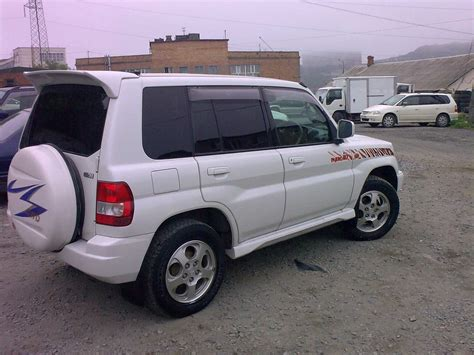 mitsubishi pajero io 2000 2000 mitsubishi pajero io photos 2 0 gasoline automatic