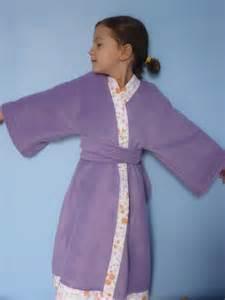 robe de chambre kimono en polaire taille 7 ans photo de