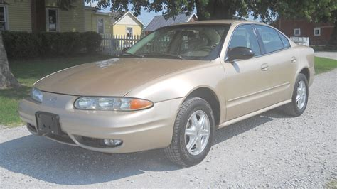 how does cars work 2003 oldsmobile alero lane departure warning hot on the lot 2003 oldsmobile alero gl sedan gold only 94k miles turnkey auto call 319