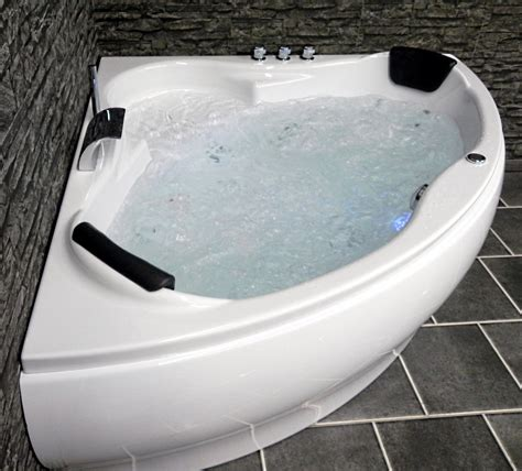 Badewanne Mit Whirlpool. die whirlpool badewanne