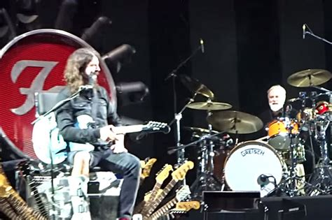 Lepaparazzi News Update Led Zeppelin To Play Comeback Concert by Foo Fighters Perform With Led Zeppelin Members