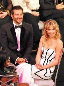 Bradley Cooper Watches Suki sag awards bradley cooper brings suki waterhouse