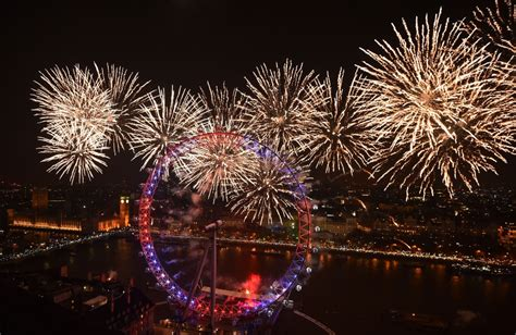 new year in uk new year s 2016 where to spectacular fireworks