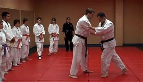 how to jiu jitsu for beginners your step by step guide to jiu jitsu for beginners books beginner jiu jitsu in rugby