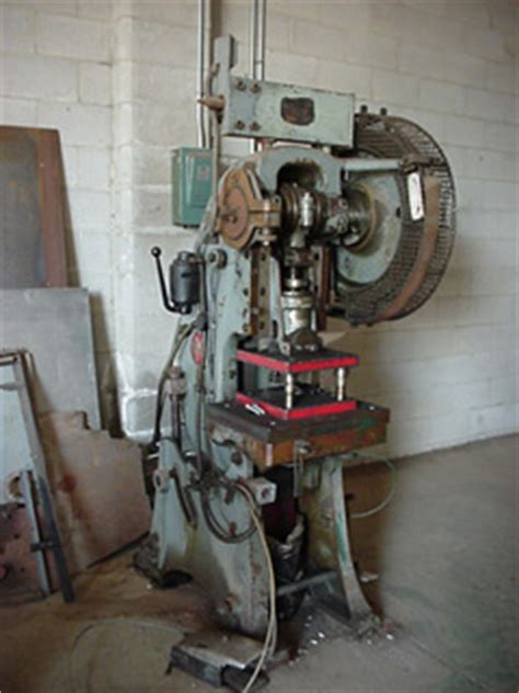 casey hton bench press paul machinery presses