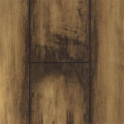 imagery honey maple laminate flooring 18 49 sq ft