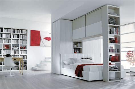 letto sopra armadio letto con armadio a ponte e libreria caretta design