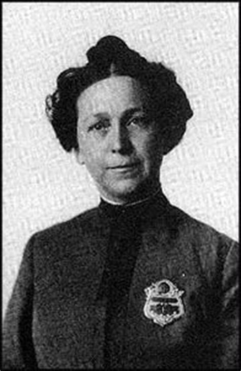 first female police officer 50 best police women images on pinterest