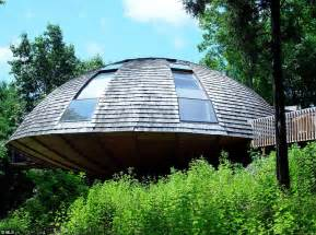 Earthship Floor Plan by New Paltz House In The Shape Of A Flying Saucer That