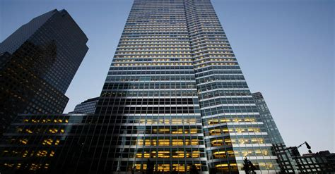 Goldman Sachs Mba C 2016 by Goldman Sachs S Profit And Revenue Fell In Quarter The