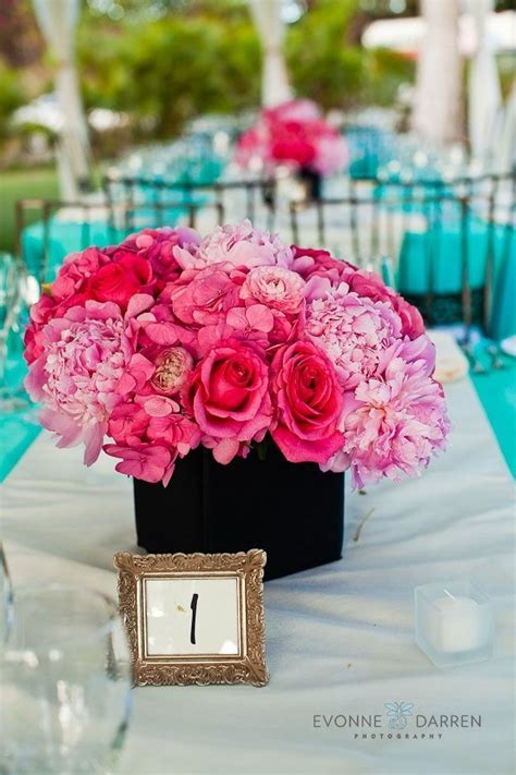 1000  ideas about Teal Wedding Centerpieces on Pinterest