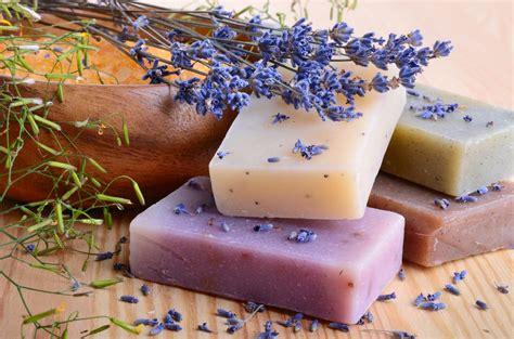 sapone fatto in casa senza soda caustica sapone fai da te con lisciva di cenere senza soda caustica