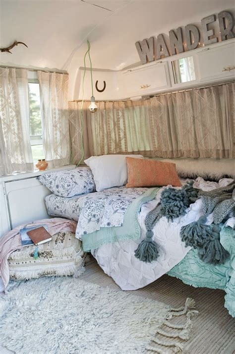 remodel your bedroom with artsy bedroom ideas your dream les 25 meilleures id 233 es concernant r 233 novation caravane sur