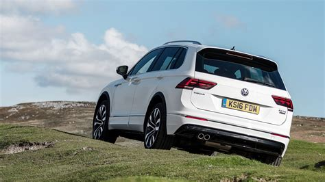 volkswagen tiguan white 2016 vw tiguan r line 2 0 tdi 150 4motion dsg 2016 review by