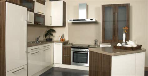 Walnut High Gloss Kitchen by Walnut And Kitchen Creepingthyme Info