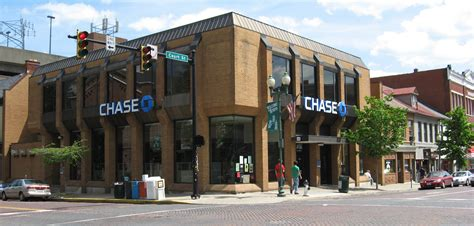 chaise bank file chase bank athens oh usa jpg wikimedia commons