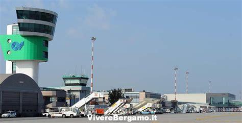 voli bergamo porto orario voli partenze e arrivi aeroporto bergamo orio al