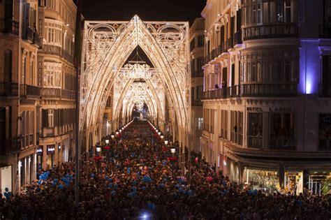 iluminacion malaga 2018 una catedral de luces en el centro m 225 laga el mundo