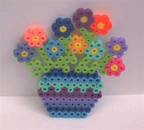 perler bead flower designs jarr 243 n con flores hama perler
