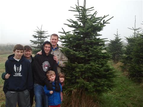 happy customers snow valley christmas tree farm