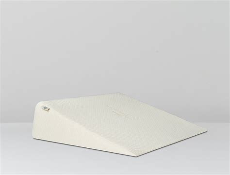 therapeutic bed wedge pillow zuma foam wedge pillow brentwood home