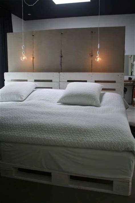bed headboards with lights 6 diy pallet bed ideas with headboards 99 pallets