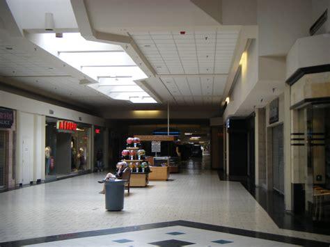 Shoo Dove Di file dover mall from boscov s jpg wikimedia commons
