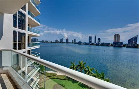 stunning breath  views   balcony