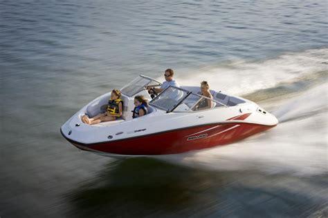 small sea doo boat 2010 sea doo 180 challenger sport boat on water 7 jpg