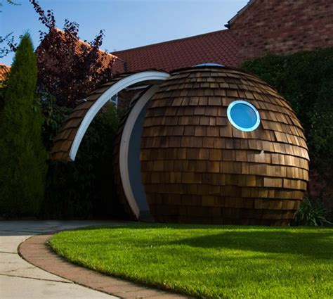 Backyard Pod by 14 Futuristic Backyard Offices Nooks And Pods