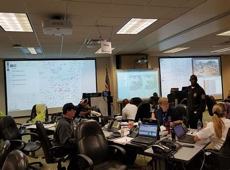 fort lauderdale s gis supports response to hurricane irma