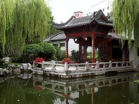 Garden Of Reviews Beautiful Pagoda Picture Of Garden Of Friendship