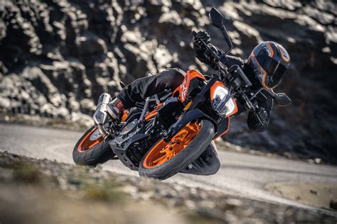 Duke Ktm 390 Ktm 390 Duke Gets A Facelift For 2017