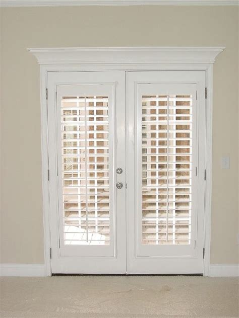 Plantation Shutter Doors Interior Best 25 Door Curtains Ideas On Curtains Or Blinds For Doors Kitchen