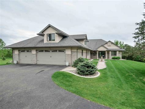 Garage Sales River Falls Wi by River Falls Wi Home For Sale With Floor Master Suite