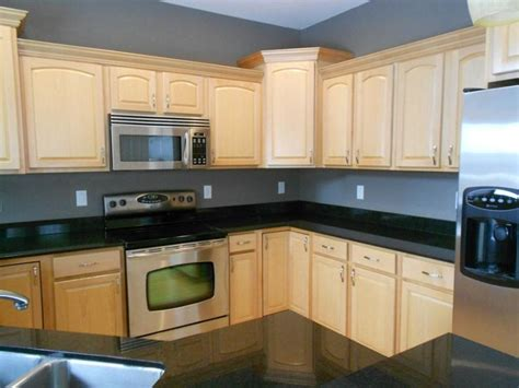 Kitchen, Natural Maple Kitchen Cabinet With Stainless